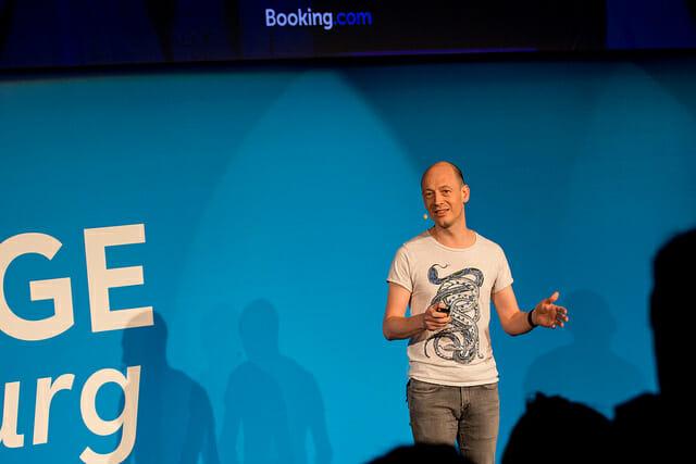 Démocratiser les expériences contrôlées en ligne sur Booking.com par Lukas Vermeer